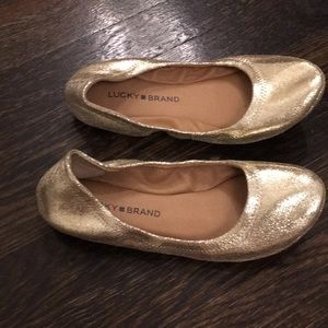Lucky Brand gold leather flats